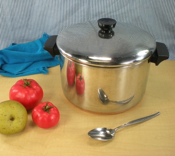 le creuset frying pan with lid revere ware cookware open stock logo kitchen a la carte. Black Bedroom Furniture Sets. Home Design Ideas