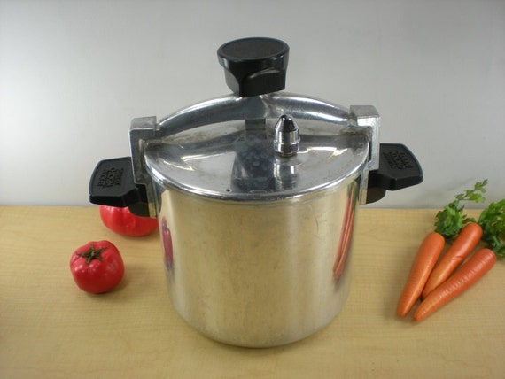 Wear-Ever 6 Qt Chicken Bucket Pressure Cooker