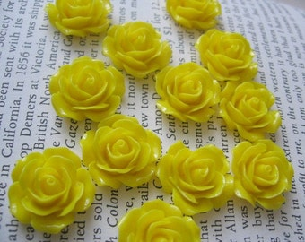 Yellow Resin Flower Cabochon 18mm