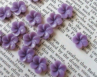 Small Purple Resin Flower Cabochons 13mm