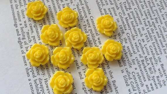 Yellow Resin Flower Cabochon 16mm