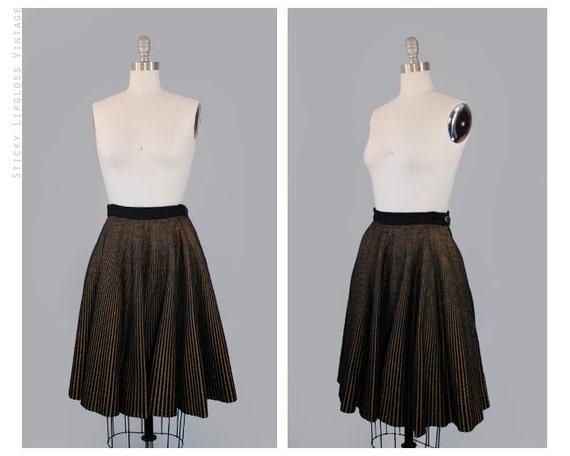 vintage 50's black & gold skirt. 1950's striped skirt. circle. xs. painted. pinstripe. full skirt 50.