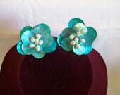 TURQUOIS FLOWER CLIP EARRINGS