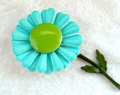 Turquoise Flower Power Brooch w Green Center Retro 1960s