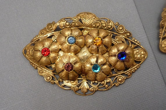 Art Nouveau Oval Brooch with Multi Colored Rhinestones