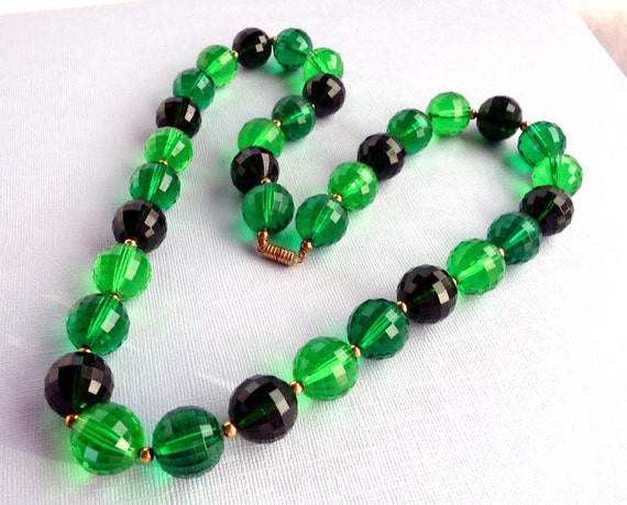 Green Faceted Lucite Bead Vintage Necklace