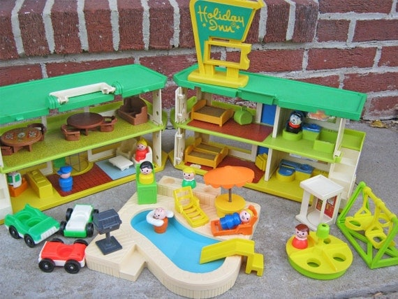 Vintage Fisher Price/Playskool Holiday Inn Family Vacation Giant Play Set