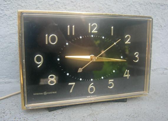 General Electric Large Bedside Alarm Clock