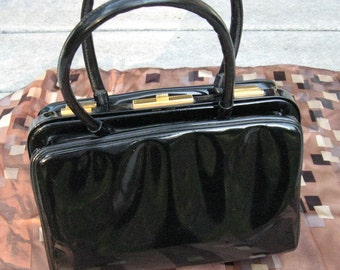 Koret Patent Leather Purse Koret Patent Not a Leather Classic Snap Shut Purse Double Handled