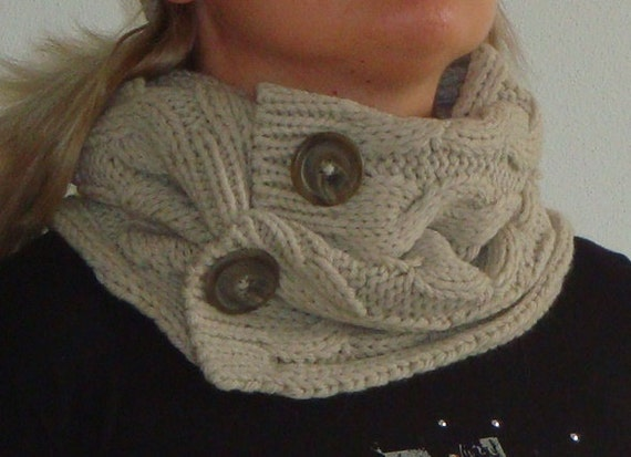 Sale 25% COCO SCARF hand knit cabled neck scarf in beige ivory colour with natural coco buttons