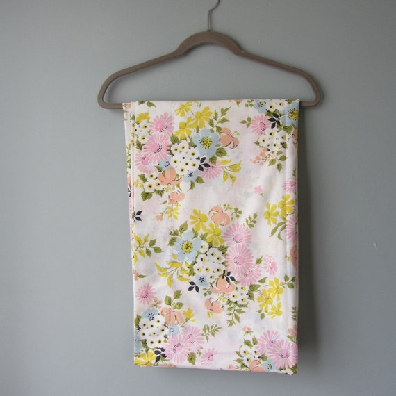 Flat Sheet Floral Spring Fling Design STUNNING Cheereful Colors 1960s Excellent Condition
