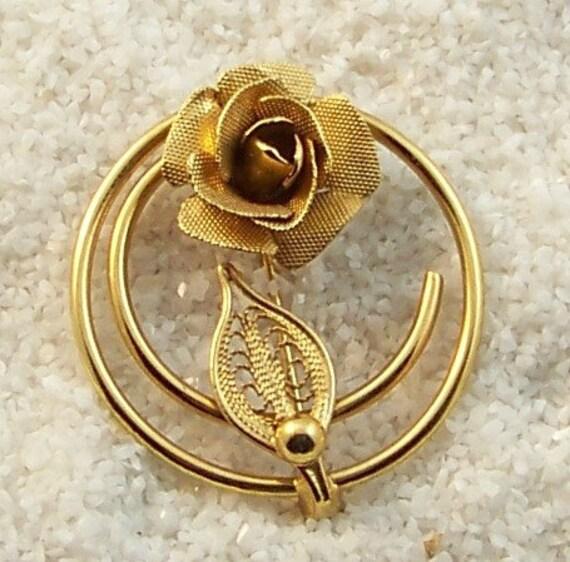 Vintage Floral Rose Brooch Delicate Goldtone Circle Shaped Stem Rose with Leaf