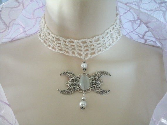 Elegant Victorian Triple Moon Lace Choker Necklace, renaissance gypsy wedding rocker goddess wiccan jewelry witch pagan handfasting