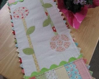 Petite Point Flowers Table Runner Pattern