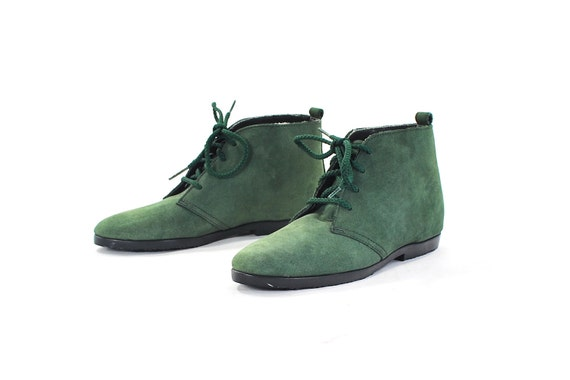 Spring Green Baby Boots. Rare Vintage Granny Boots for Children. Garden green Suede lace up booties by Pappagallo - Youth size 13