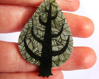 Illustrated tree brooch pin