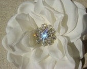 Realistic Natural Bridal Gardenia with vintage style rhinestone center / off white light ivory hair flower clip / HELEN