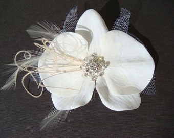 White or Ivory Sparkling Orchid Hair Flower with whispy feathers, tulle, vintage style rhinestone / Bridal orchid hair clip / orchid flower