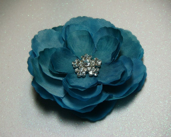 Stunning Teal Hair Flower Clip with vintage style rhinestone centerpiece / bridesmaid flower hair clip turquoise blue peacock