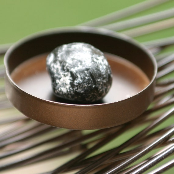 WORRY STONE Black Snowflake Obsidian - calming and soothing