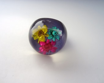 Vintage 1960'S Purple Ring NOS HIPPIE Dome Flower Plastic lucite ring Boho New old Stock