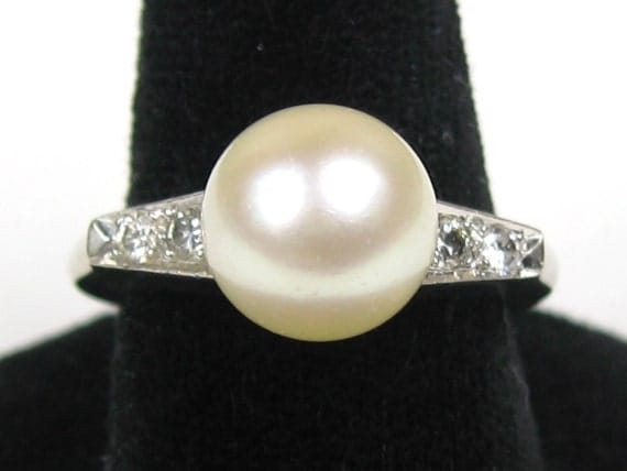 18K White Gold Solitaire Pearl & Diamond Ring High Setting