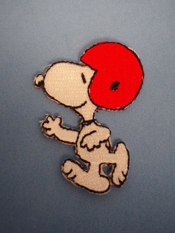 FREE SHIPPING Snoopy Peanuts American Football Sew on Patch