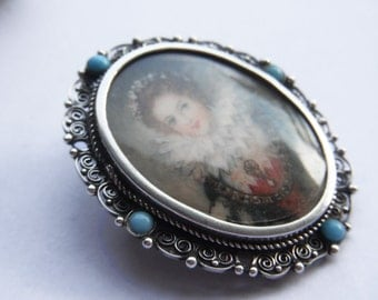 Brooch with Queen Anne of Austria / Anne d'Autriche portrait