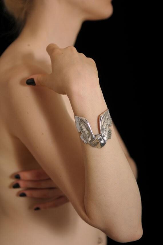 Albatross Cuff bracelet (Silver plated)