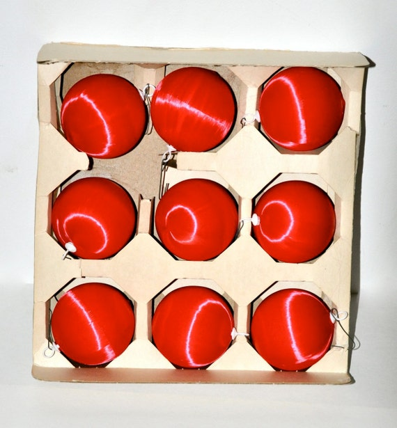Red vintage christmas bulb ornaments - glass covered with satin thread 50s retro