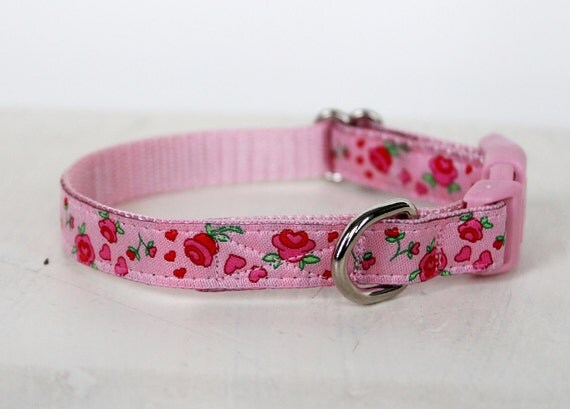 Teacup Dog Collar, Pink Rosebuds, Puppy Collar 1/2 inch width, Shabby chic  Kitty Cat Collar