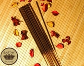 HONEY AMBER Incense Sticks - Hand-Dipped Premium Bamboo Incense - by Earthy  Incense