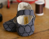 Baby Girl Shoes Grey Circles - Ready to Ship
