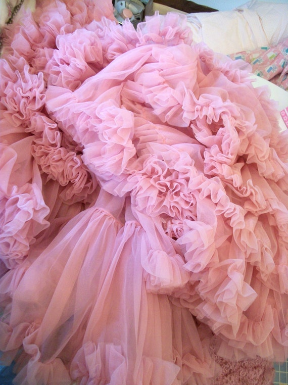 Oodles Of Fluff..Vintage HTF Color - ROSE Crinoline Petticoat Skirt