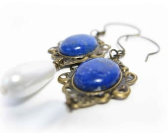 Renaissance Tudor reproduction earrings - Drop pearls and blue Lapis Lazuli - Royal blue - Indigo - Bright -  History