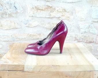 Vintage 1990s STEPHANE KELIAN Burgundy Leather Stiletto Shoes