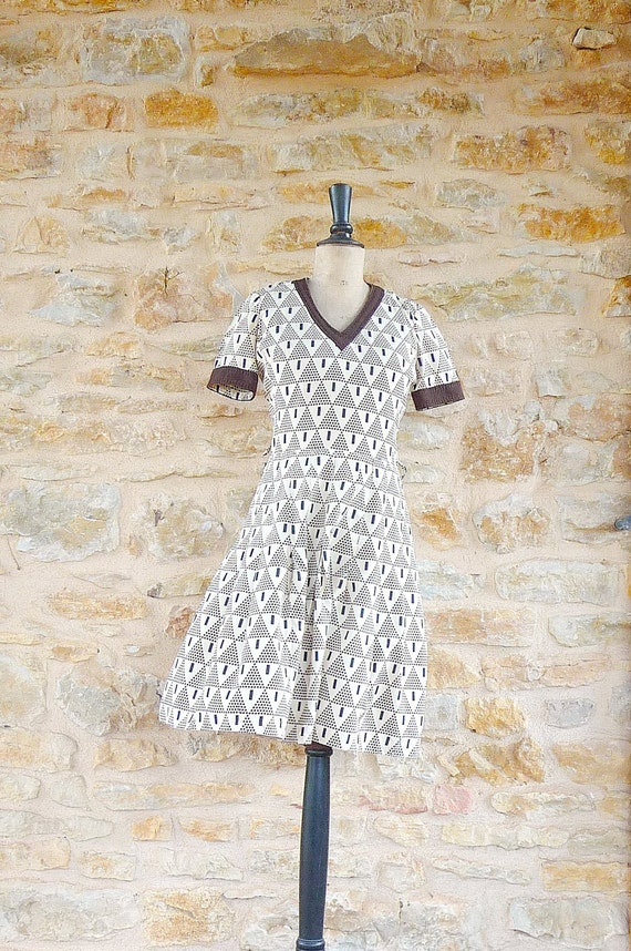 French Vintage 1950s ETHNIC TRAVEL Beige and Brown Dress