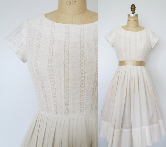 1960's White Short Sleeve Dress can be worn as a Wedding Dress or for a Special Occasion X-Small