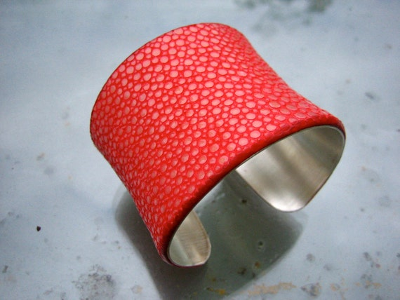 Stingray leather cuff bracelet in sterling silver - RUBY RED semi-pearl finish