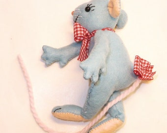 """Instant digital download Pattern PDF DIY""""  WILLIAM the mouse  """" sewing"""