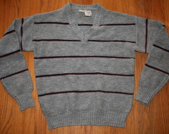 Vintage Grey striped sweater // 1970s Sweater // MAde by KENNINGTON //small medium