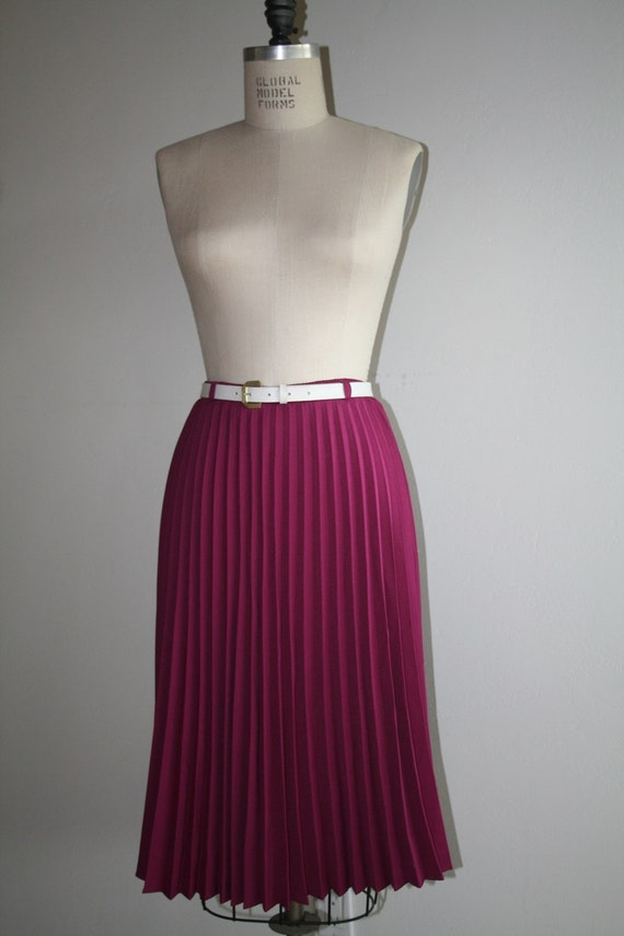 Vintage 70s/80s Magenta Accordion Midi Skirt