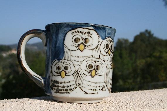 Vintage Family of OWLS Mug