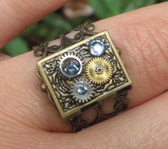 PS,Steampunk Locket Ring