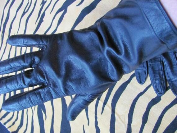 Vintage Black Leather Silk Lined Designer Wrist Gloves - Pierre Cardin