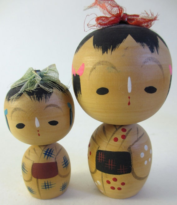 4 Vintage Japanese Kokeshi Dolls
