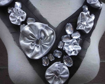 Cute applique with flowers and  rhinestones 1 piece listing