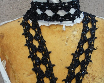 Very cute beaded black  color    venice  lace  1  yard listing