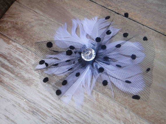 Cute  feather  applique with  rhinestone   white  color   1 piece listing.
