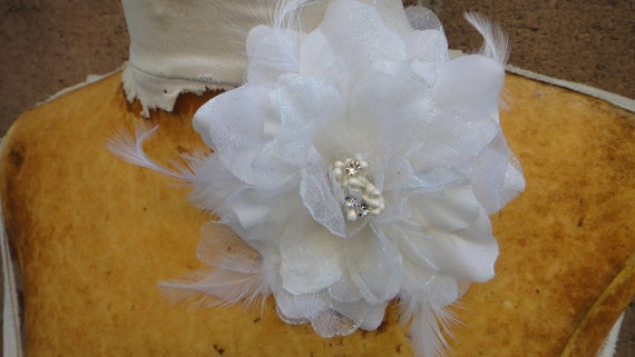 Cute organza  flower  with feather white  color 1 piece listing